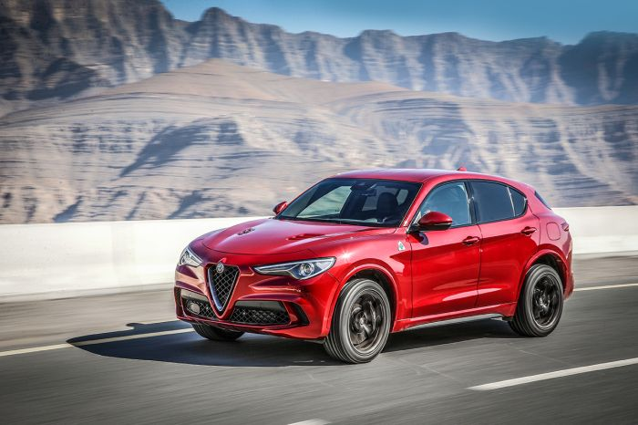 der neue alfa romeo stelvio quadrifoglio. Black Bedroom Furniture Sets. Home Design Ideas